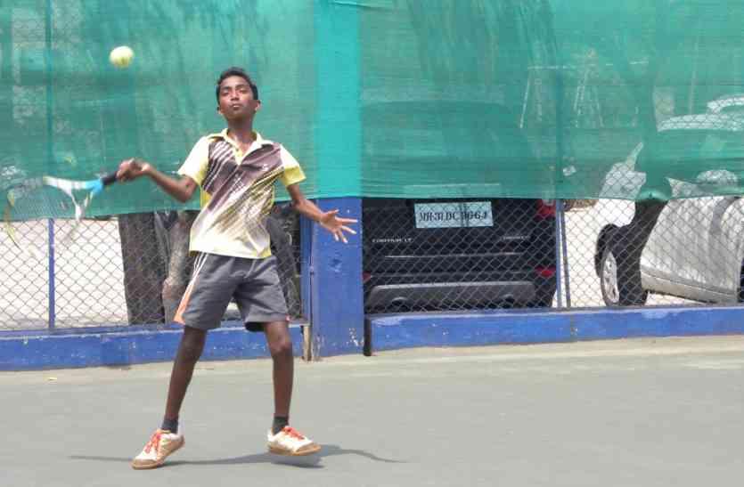 ऑल इंडिया टेनिस टैलेंट सीरीज-  समप्रीत और खिरमान तांडी दो वर्गों के सेमीफाइनल में