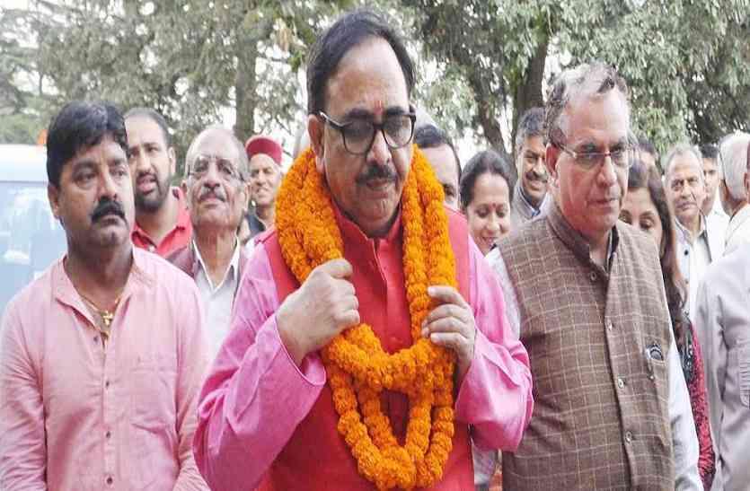 गोरखपुर व फूलपुर में बीजेपी की हार पर प्रदेश अध्यक्ष डा.महेन्द्रनाथ पांडये का बयान, सपा-बसपा गठबंधन नहीं इस कारण हारी पार्टी