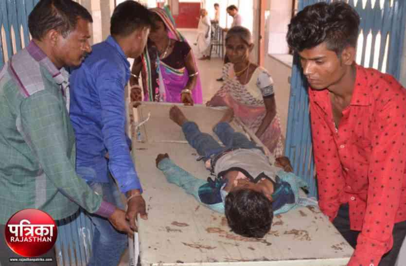 बांसवाड़ा : बस की छत पर बैठ सफर कर रहे बारातियों पर मंडराई मौत, करंट से झुलसे पांच लोग