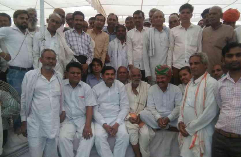 17 सूत्री मांगों पर कांग्रेस MLA रमेश मीणा का धरना 20वें दिन भी जारी रहा, अभी तक की सारी वार्ता विफल