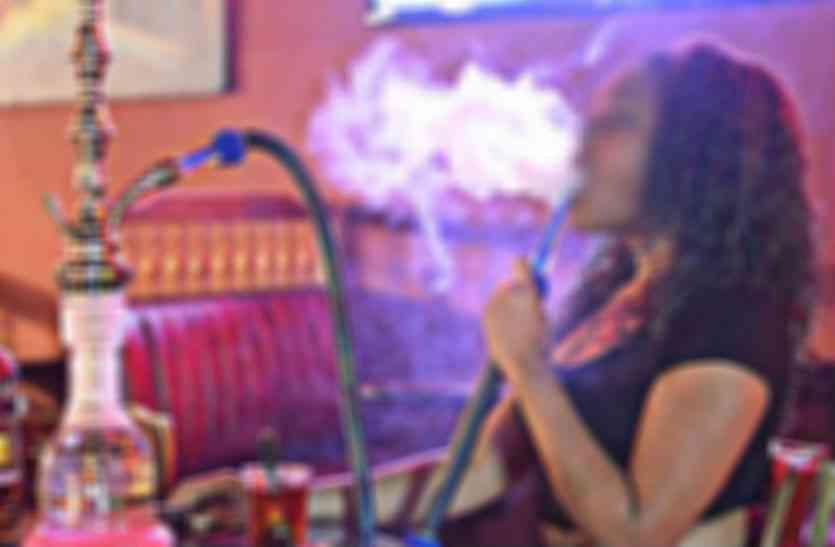 होटल, रेस्टोरेंट की आड़ में हुक्का बार, धुंए के साथ उड़ रही हैं कानून की धज्जियां