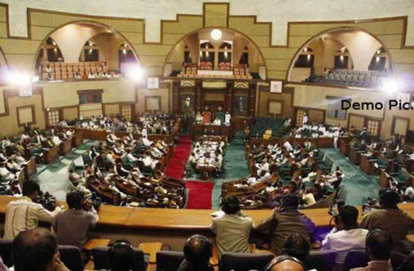 शिक्षा और कुपोषण पर बजट सत्र में बाबूलाल गौर ने सरकार पर छोड़ा तीखा बाण