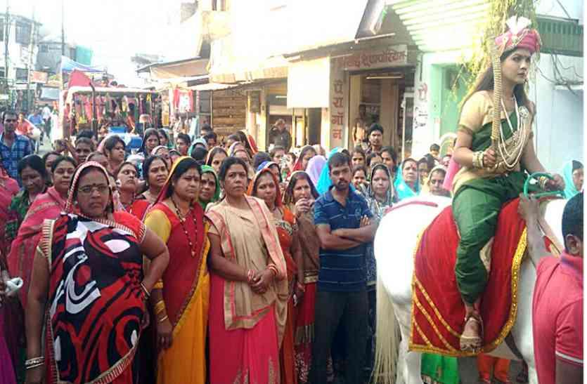 आराध्य मां कर्मा देवी की विशेष पूजा अर्चना
