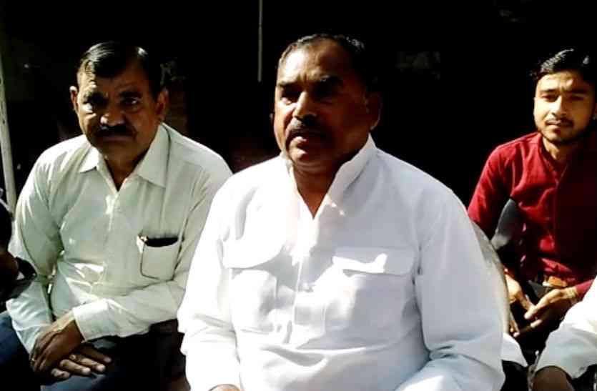 उपचुनाव के नतीजों के बीच सपा के रामगोपाल यादव पर लगे गंभीर आरोप