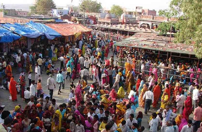 चंबल के जो डकैत देशभर में कुख्यात हैं, इस मंदिर में पहुंचते हैं वे निहत्थे, निडर हो करते हैं माता की पूजा; पुलिस खा जाती है चकमा