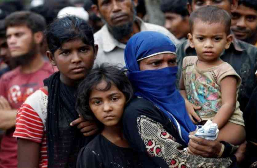 केंद्र ने सुप्रीम कोर्ट को कहा- रोहिंग्या मुसलमानों को भारत आने के लिए नहीं कह सकता