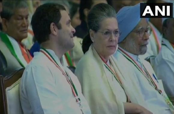 महाधिवेशन: राहुल गांधी बोले- केवल कांग्रेस ही देश को रास्ता दिखा सकती है