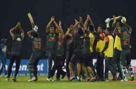 डांस कॉम्पिटिशन में तब्दील हुआ क्रिकेट का मैच, देखें तस्वीरें