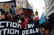 नस्लवाद और फासीवाद के विरोध में सड़कों पर उतरा लोगों का हुजूम