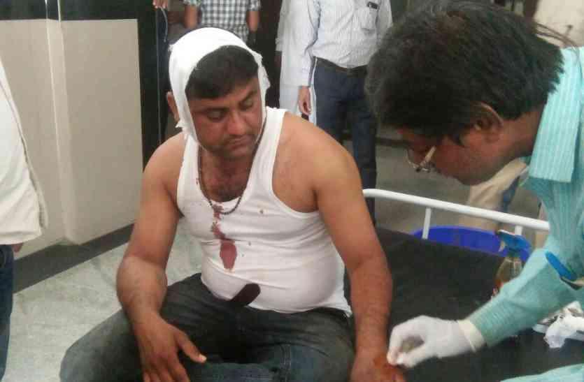 पंचायत राशि को लेकर भाजपा के दो गुटों में खूनी संघर्ष