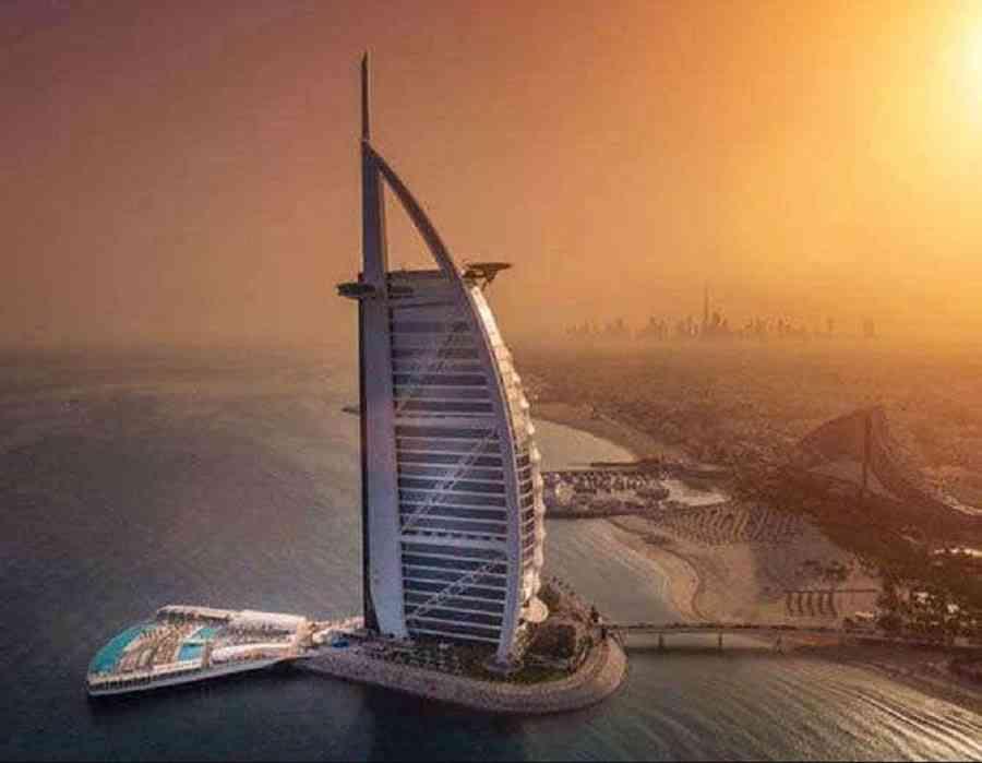 social media,viral,Dubai,luxury,hotel,Burj Khalifa,Luxury hotels,I pad,
