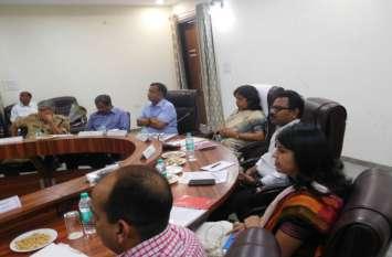 ताजमहल और फतेहपुर सीकरी का कैसे हो पर्यटन विकास, माथापच्ची कर रहीं पर्यटन सचिव