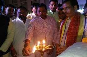 तस्वीरों में देखिए यूपी के उपमुख्यमंत्री दिनेश शर्मा का कार्यक्रम
