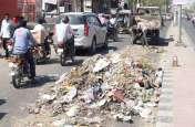 शहर का कचरा सड़कों पर...