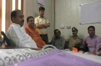 भाजपा विधायक अविनाश त्रिवेदी को टोल कर्मियों ने किया परेशान