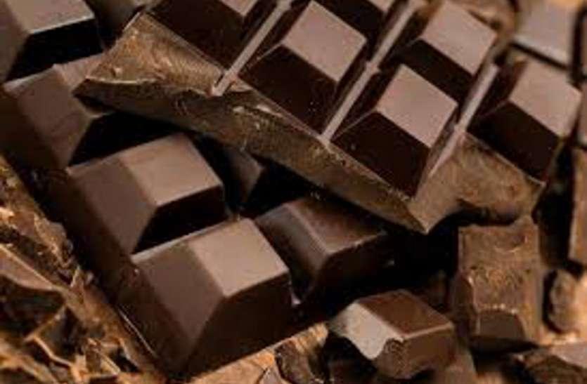 सावधान ! चाईनीज चॉकलेट में माइक्रो बल्ब और छोटी बैट्री ?