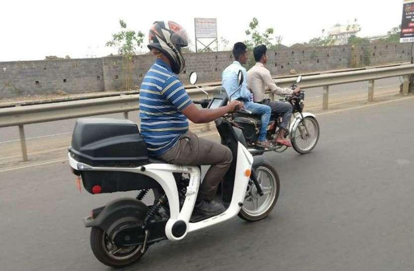 टेस्टिंग के दौरान भारत में नजर आया महिंद्रा का ये इलैक्ट्रिक स्कूटर, जानें खास बातें
