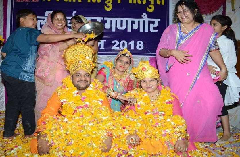 राधा-कृष्ण की सजीव झांकियों के संग खेली होली, कई प्रतियोगिताओं में लिया हिस्सा