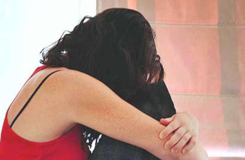 आज बलात्कार का विरोध हुकूमते वक्त का विरोध बन गया