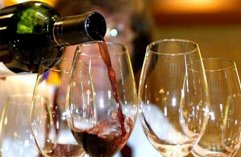 MP में शराब कारोबारियों का सिंडीकेट, जाम छलकाना हुआ महंगा, यहां पढ़ें पूरी खबर