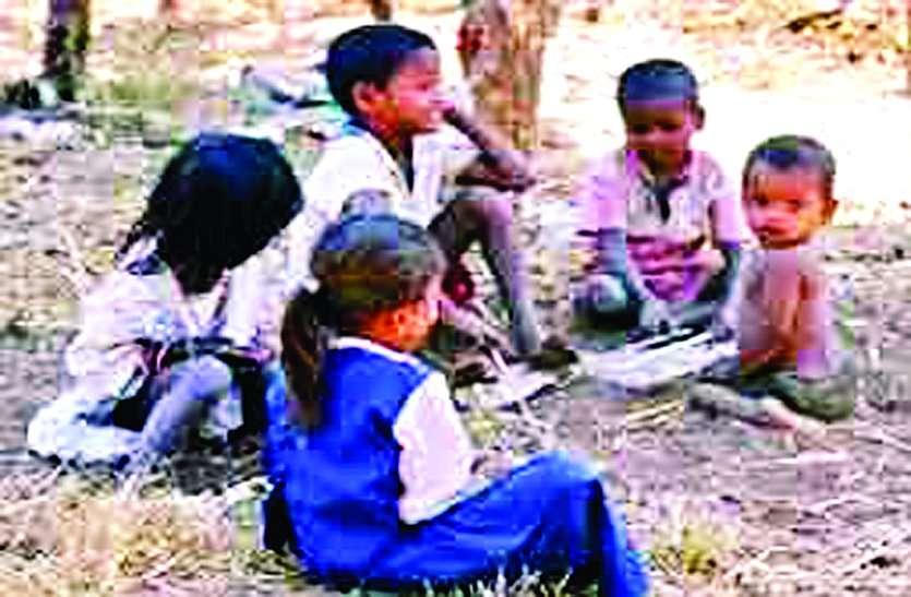 अब घुमंतु बच्चे भी बनेंगे पढ़ लिखकर नवाब, इस जिले की शिक्षा नीति में बड़ा बदलाव