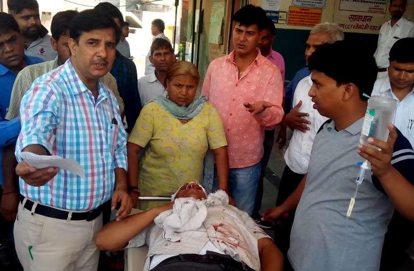 धौलपुर से भरतपुर आ रही नगर निगम आयुक्त की गाड़ी टकराई, पत्नी आैर चालक की माैके पर ही माैत