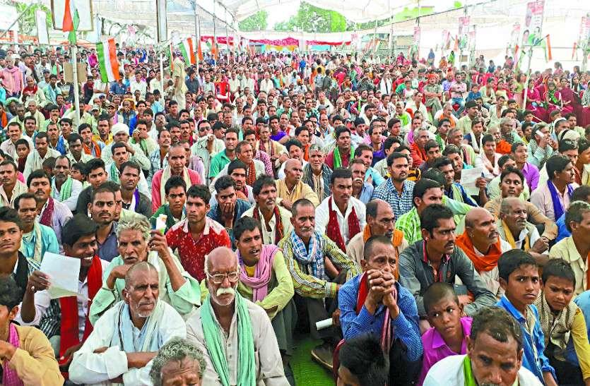 रमन कार्यकाल में किसानों का सबसे बुरा हाल, नहीं मिल रही गन्ना बेचने की पर्ची