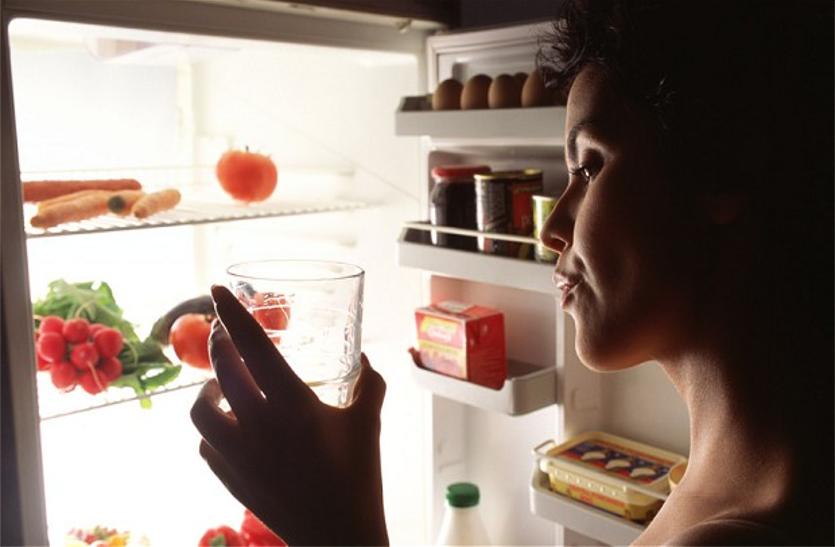 गर्मी में फ्रिज का ठंडा पानी पीने से पहले जान लें ये नुकसानदायक बातें