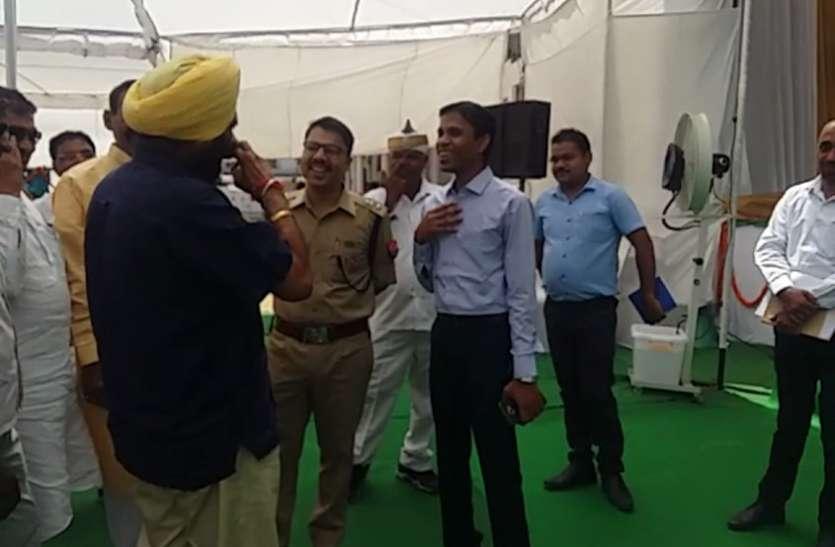 रामपुर के डीएम और एसपी ने की योगी के इस मंत्री की तारीफ, जानिए क्यों