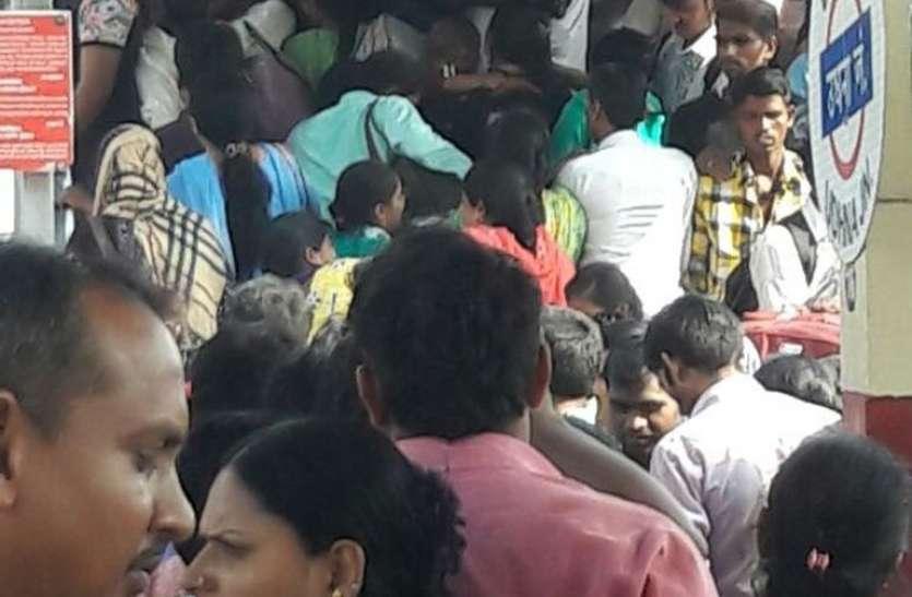 उधना से आगरा और बान्द्रा से इंदौर के लिए दो हॉलि-डे