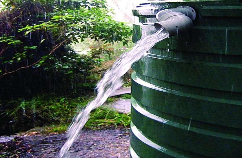घरों की टंकियों के ओवरफ्लो से हम रोज व्यर्थ बहा रहे 30 हजार लीटर साफ पानी