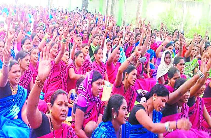 3700 आंगनवाड़ी कार्यकर्ता व सहायिकाओं को नहीं मिला मानदेय, अफसर ने दे दिया ये जवाब