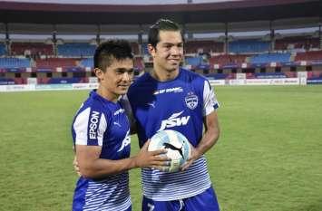SUPER CUP: मीकू की हैट्रिक-कप्तान छेत्री का एक गोल, मोहन बागान को हरा बंगलुरु एफसी फाइनल में