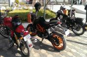 अब अपनी सस्ती बाइक को KTM Duke या Bullet में ऐसे करें तब्दील, 1 रुपया भी नहीं होगा खर्च