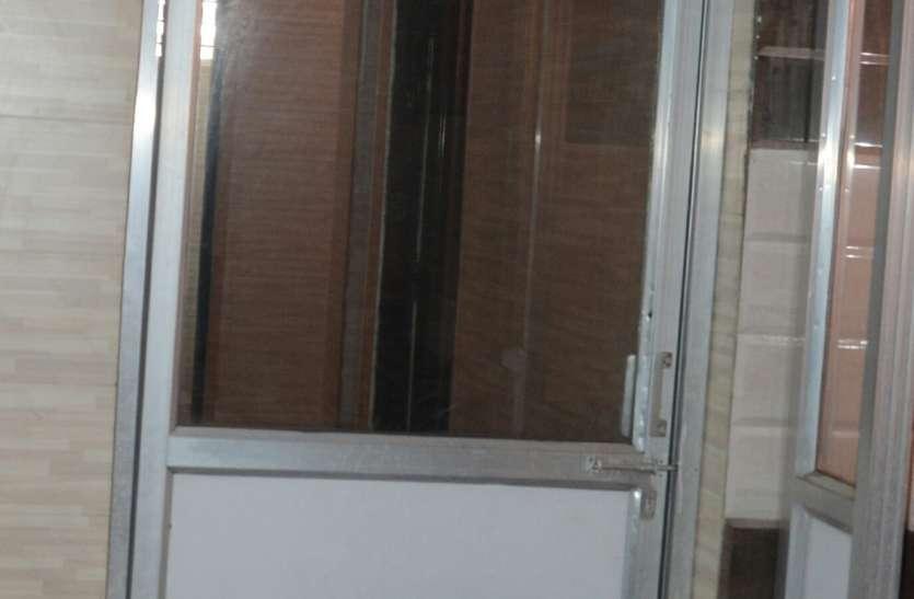 बार एसोसिएशन के शौचालय में मिली बीडीए कर्मचारी की लाश