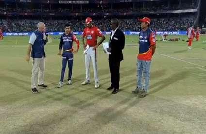 IPL 2018 DD vs KXIP: दिल्ली डेयरडेविल्स को मिला 144 रन का लक्ष्य, गेंदबाजी हुई हिट