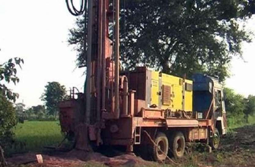 आजादी के बाद पहली बार पहाड़ पर पहुंची बोरिंग मशीन, अब वनवासियों को मिलेगा स्वच्छ पानी