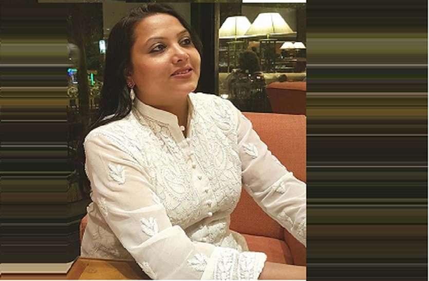 फ्राड के आरोपी ब्लाक प्रमुख ठाकुर मनोज ने पत्नी से की मारपीट, थाने में पंचायत