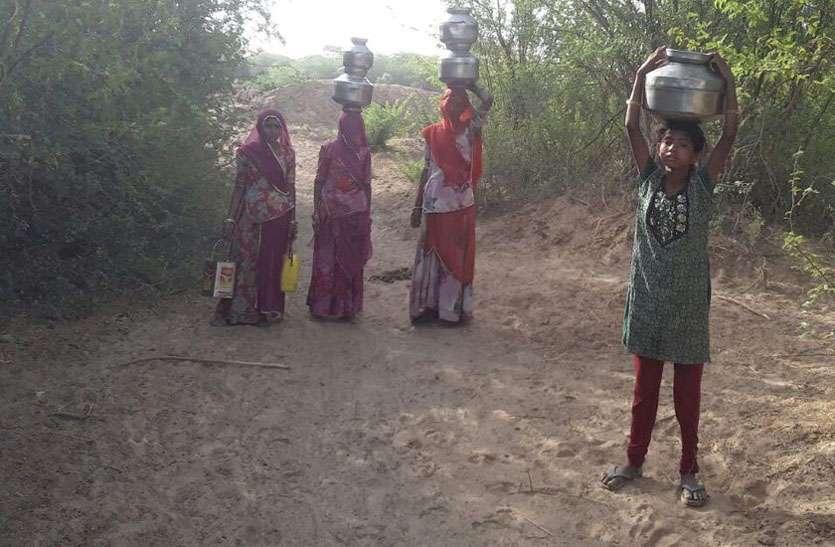 सरहद में बह रही नर्मदा, गांव में खारे पानी की तैयारी