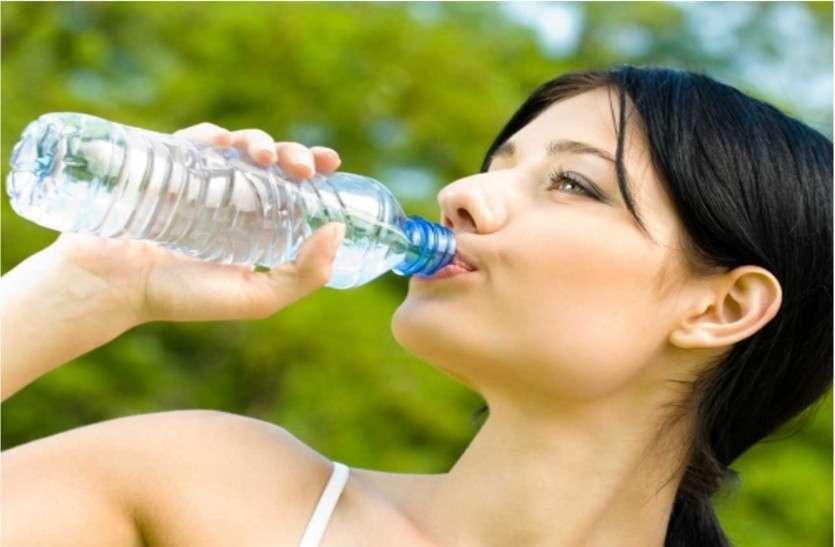 पाचन, हृदय, श्वसन तंत्र को नमी व सही प्रवाह से ठीक रखता पानी, खूब पीएं