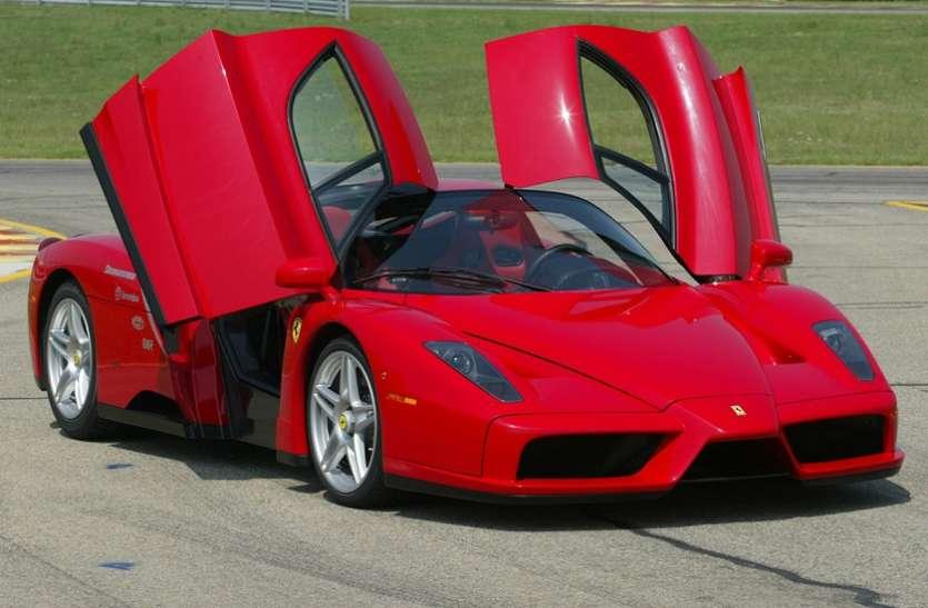 दुबई में मिली हजारों की संख्या में लावारिस कारें, अरबों रुपए है कीमत