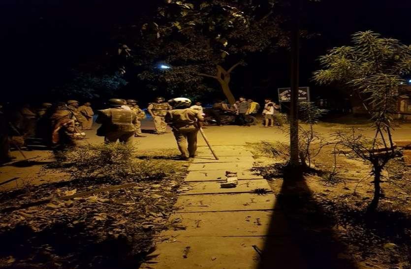 अराजकता की भेंट चढ़ गया BHU, आए दिन कहीं पेट्रोल बम का धमाका तो कहीं लाठियों की फटकार