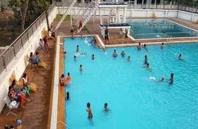 गर्मी में सुकून दे रहा स्वीमिंग पूल, खूब उमड़ रहे लोग