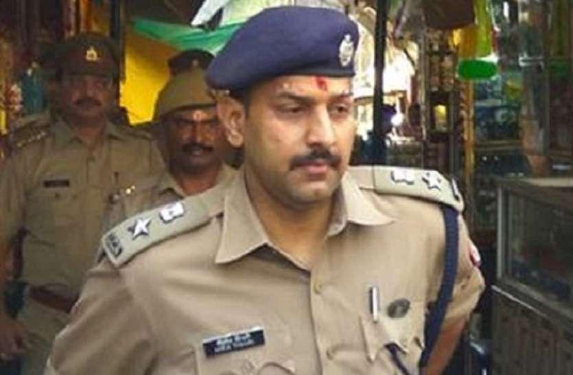 इस तेज तर्रार आईपीएस अधिकारी ने कहा, बाहुबली अतीक के भाई सहित दर्जनों अपराधी जल्द पकड़ में