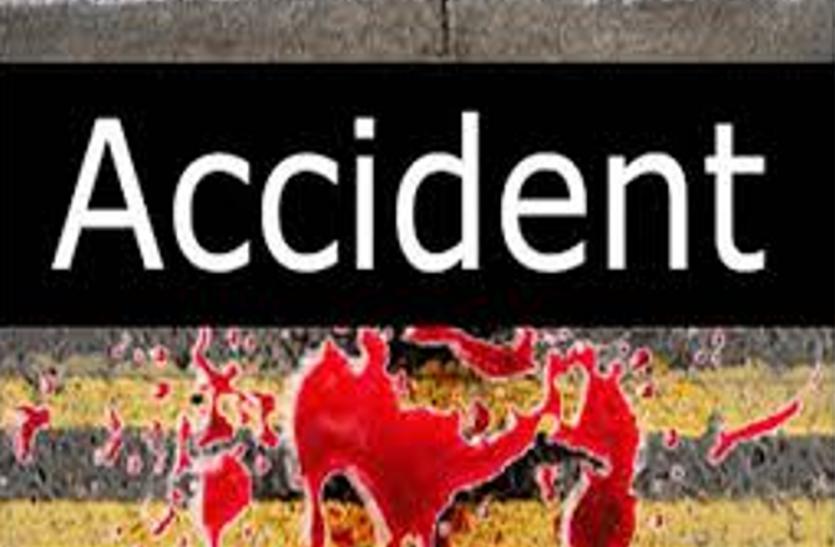 BIG BREAKING : जालौन में तेज रफ्तार ट्रक ने बिठूर गंगा स्नान के लिये जा रहे आठ को रौंदा, छह की मौत