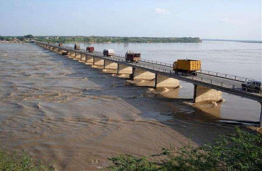 Chambal river bridge
