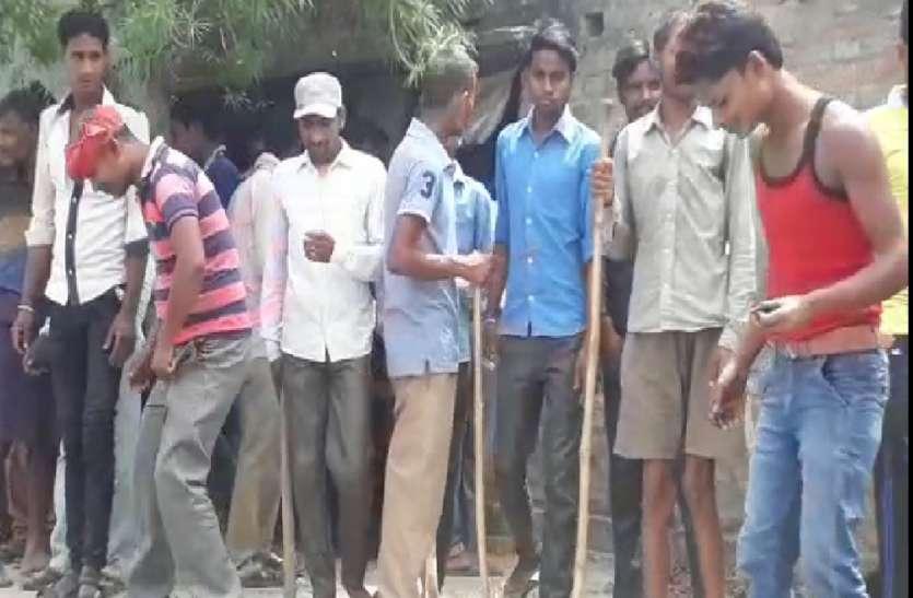 ग्रामीण को घायल कर मकान में छुपा तेंदुआ