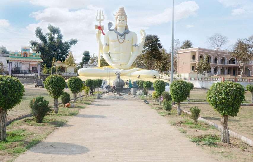 The beauty of Narmada gives us peace here