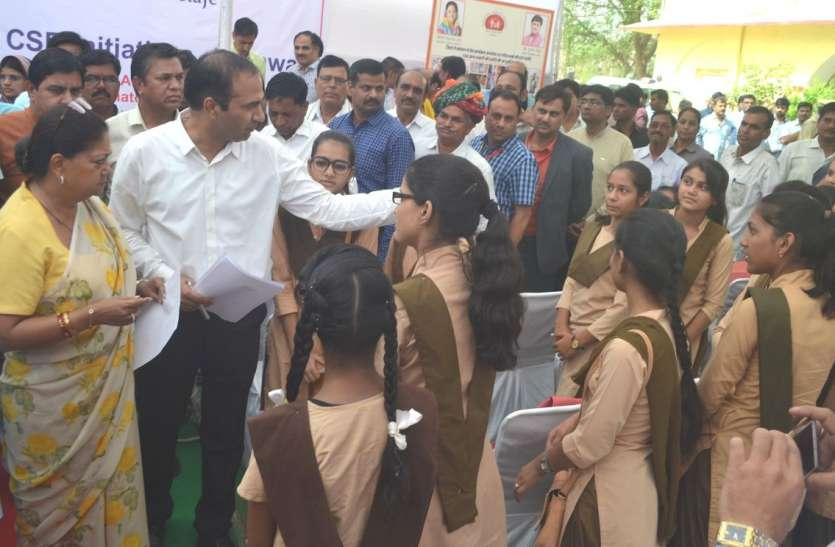 मुख्यमंत्री ने सीएसआर मद के कार्यों का किया लोकापर्ण