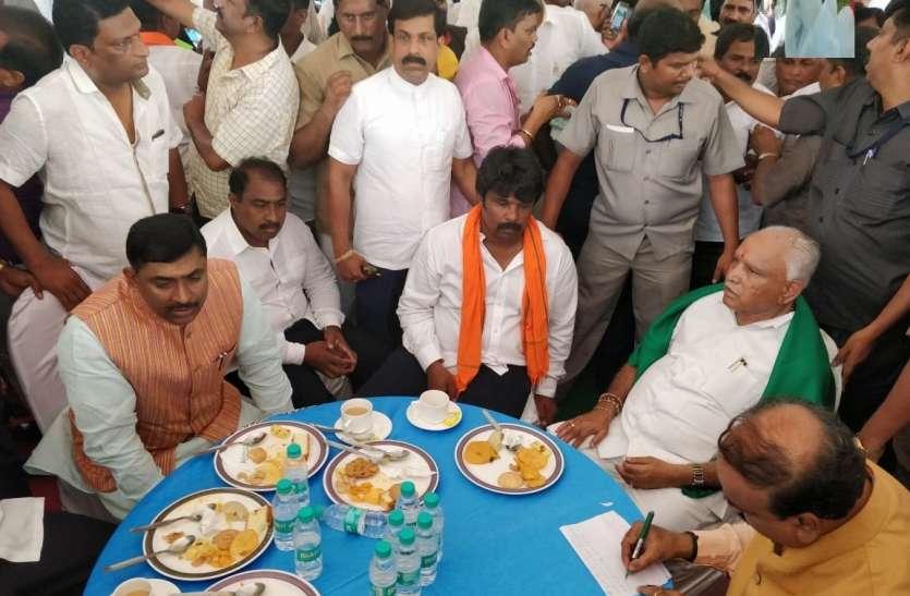 बड़ी खबर: मुख्यमंत्री बनते ही येदियुरप्पा ने कर दिया किसानों की कर्जमाफी का ऐलान